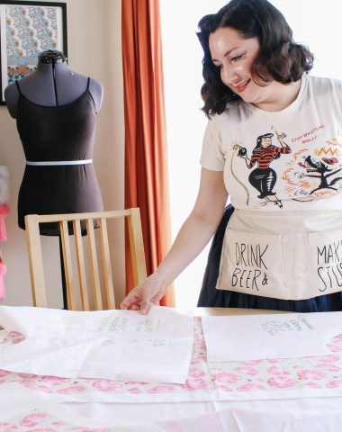 Sewing blogger, behind the scenes shots | Vintage on Tap