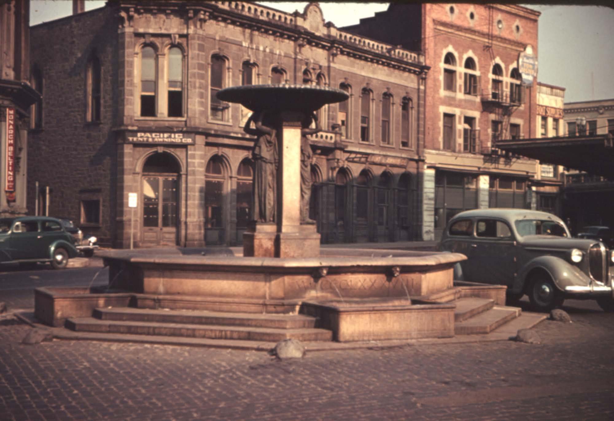 Skidmore Fountain 1939  Vintage Portland