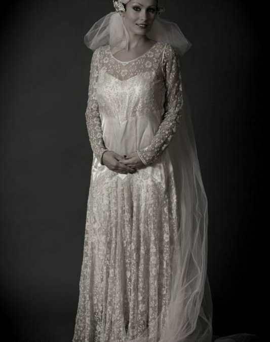 1920s Wedding Dress and Veil Modern Portraits