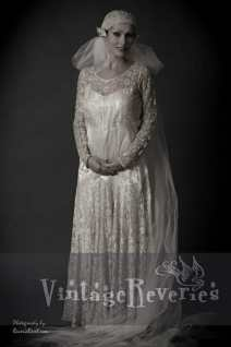 1920s wedding dress and veil photo