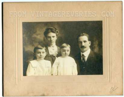 1913 family photograph