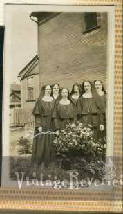1934-1935 nuns