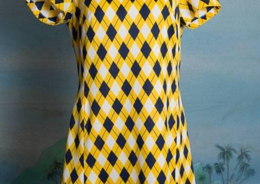 Sporty cute bright yellow plaid print summer dress – Medium – Large