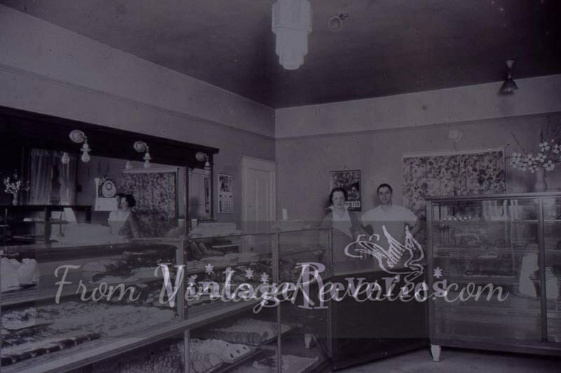 early 1900s bakery shop
