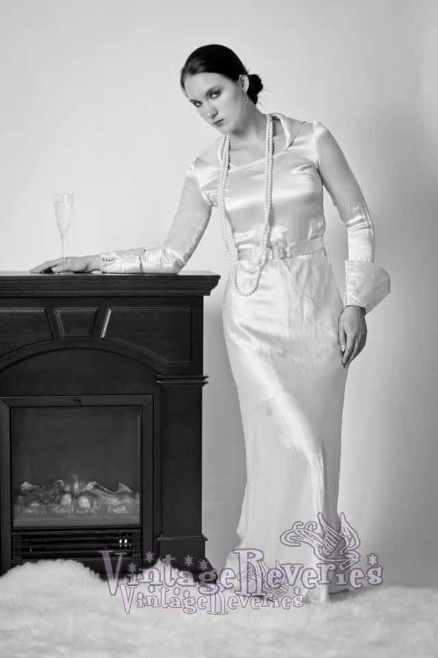 elegant 1930s dress
