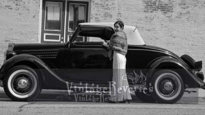 1930s wedding car
