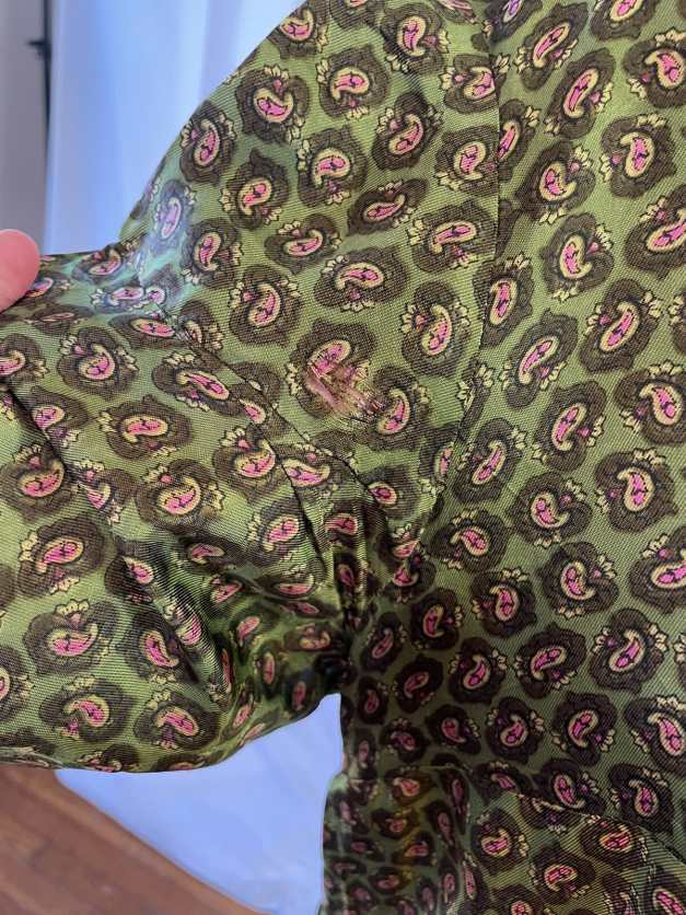 Floral pattern details