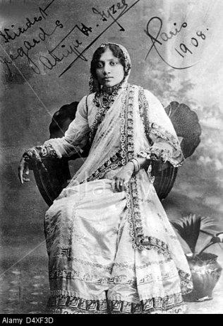 Portrait of Atiya Fyzee (1877-1967) Signed Paris 1908. Image shot 1908. Exact date unknown.