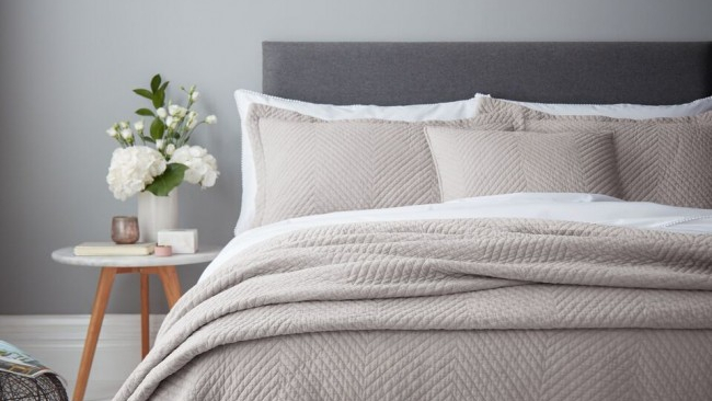 Peaceful Summer Bedroom Tips | Yorkshire Linen