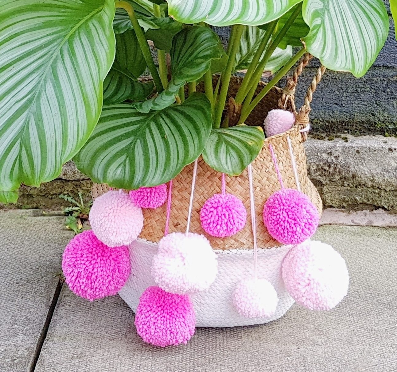 DIY Pom Pom Wicker Baskets | Present Idea