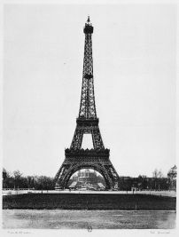 19The Eiffel Tower Construction