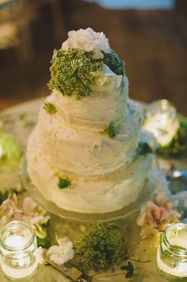 Rustic Wedding  Cake by French Made at the National Vintage Wedding Fair blog