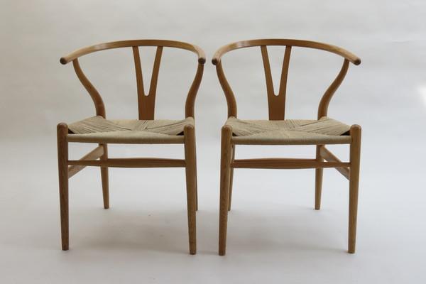 medium_hans-wegner-wishbone-chair-by-carl-hansen-4-oak-available