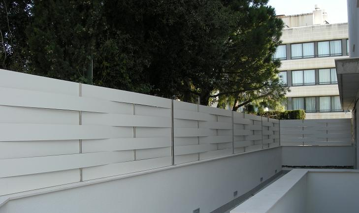 Vinuesa vallas cercados valla ocultaci n residencial - Ocultacion vallas jardin ...
