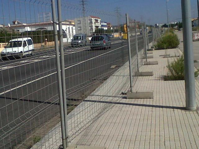 Vinuesa vallas cercados valla trasladable o m vil - Vallas y cierres ...