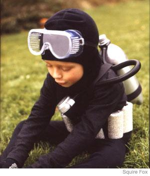 DIY Scuba Diver Costume http://www.parenting.com/article/scuba-diver-21354920