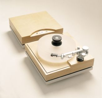 The Nordic Concept Reference Turntable