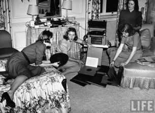 Playing records, 1940