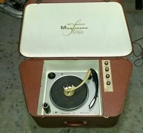 Magnavox All Transistor Portable Stereo VINTAGE Micromatic 4 Speed Record Player