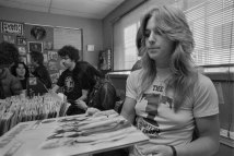 Sandy West (The Runaways)