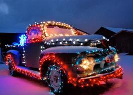 1-colorado-christmas-truck-bob-berwyn