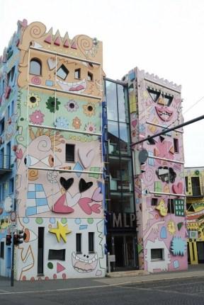 2_brunswick_art_architecture_happy_home_rizzo