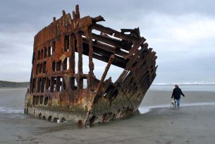 Oregon-shipwreck-peter-iredale2