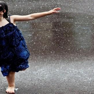 cute-child-in-rain