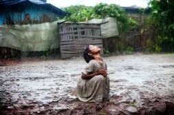 rain-poor-mud-joy-ndia-children-_576472-35