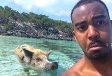 eating-conch-dork-and-swimming-with-feral-pigs-in-exuma