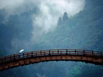 kintai-bridge