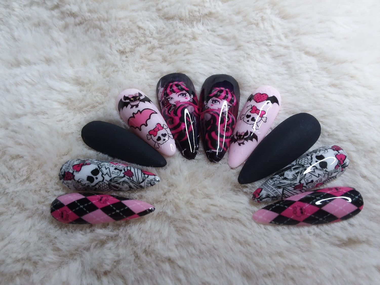 Medium Monster High Draculaura Press On Nails – Shop Violablu
