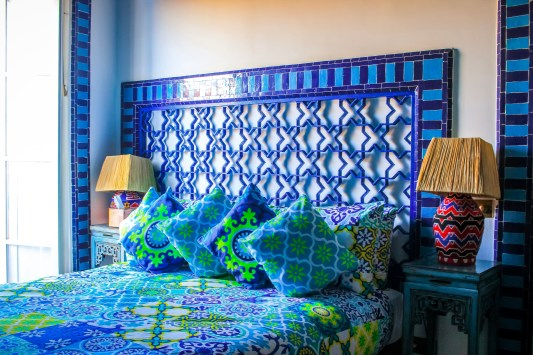 Adore the blues and greens in this showing that patterns can be relaxing. http://salutmaroc.com