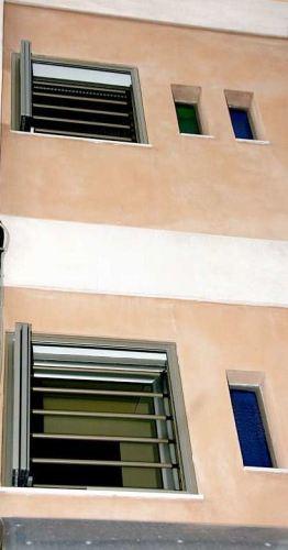 Μπάρες ασφαλείας και παντζούρι ασφαλείας σε μονοκατοικία Τ-80
