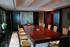 Konferenztisch in der Suite