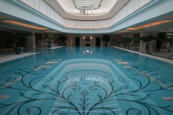Der Pool ist 25 Meter lang