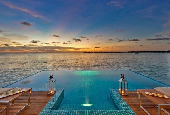 Abendstimmung auf der Insel Dhonakulhi im Haa Alifa Atoll. Fotos: Hideaway Beach Resort & Spa