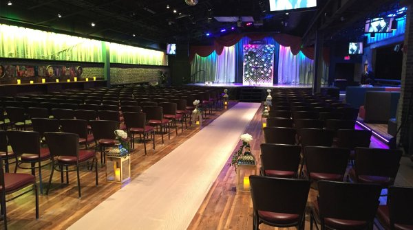 Customizable Wedding Venue Viper Alley In Lincolnshire Il