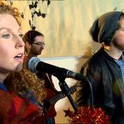 Seo Linn Perform Fairytale Of New York (As Gaeilge)