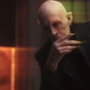 Lot #237 – The Strain (2014-2017) Eldritch Palmer The Master Jonathan Hyde Coat Suit Shirt & Tie Ep 403