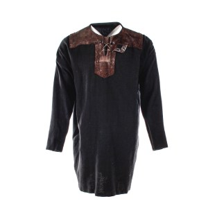 Lot #17 – Vikings Ragnar Travis Fimmel Screen Worn Tunic Ep 304