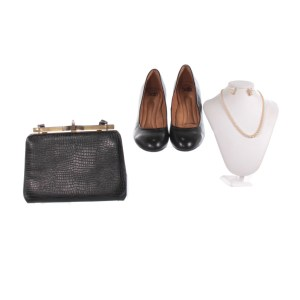 Lot #40 – Respect Grieving Mother Tangela Large Production Worn Earrings Necklace Purse & Shoes Ch 1 Sc 23