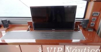 PRINCESS-V52-2012-2-X-VOLVO-670-HP5