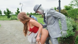Alessandra Jane – Fucking The Busker Outdoor