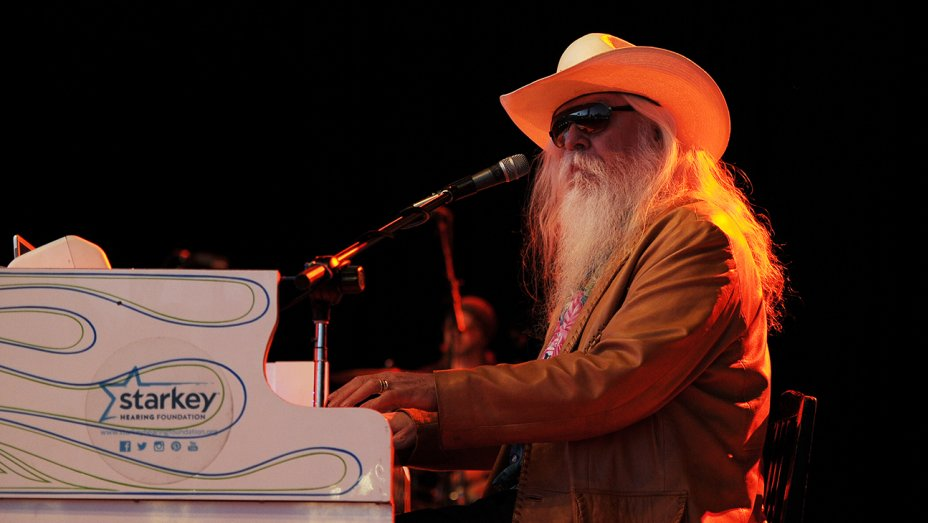 Leon Russell, Legendary Songwriter and Performer, Dies at 74