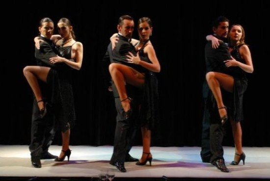 VIP TOURS BA - EXPERIENCES IN BUENOS AIRES - TANGO SHOW EXPERIENCE