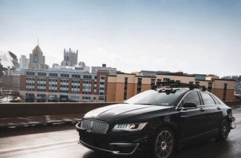 Aurora urges autonomous vehicle industry to adopt better safety metrics