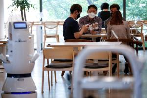 Robot barista helps South Korean cafe with social distancing