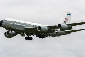 Touch of gray: The Air Force can't retire the Boeing 707