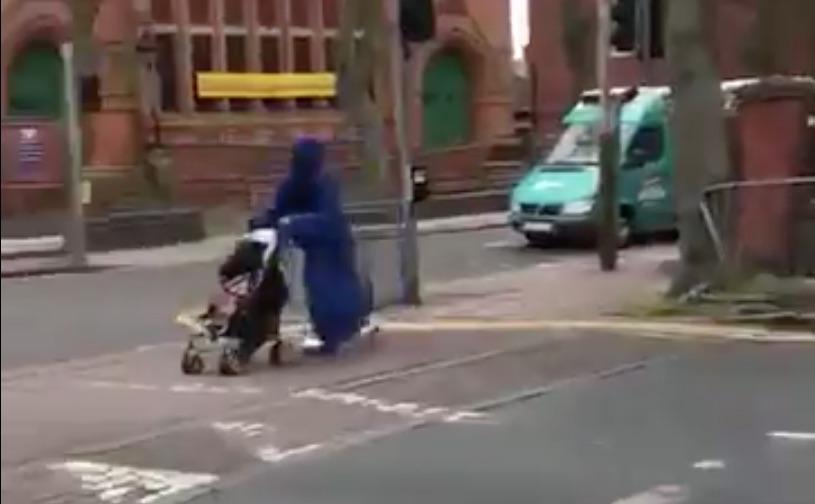 burka rullende